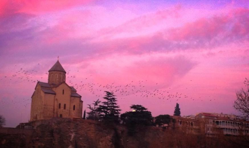 טביליסי בשקיעה (צילום: שי זדה)