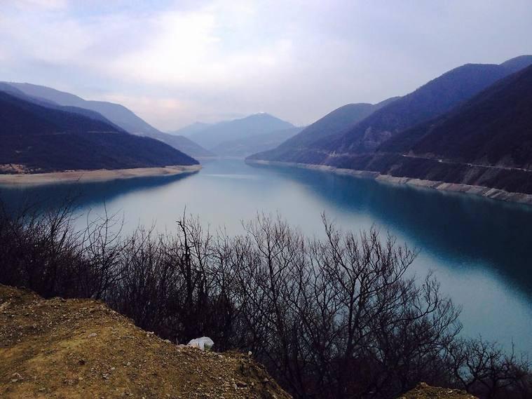 הנוף שבין מצחתה לאנאנורי (צילום: שי זדה)
