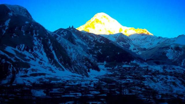 הר קזבג המושלג (צילום: שי זדה) (צילום: שי זדה)