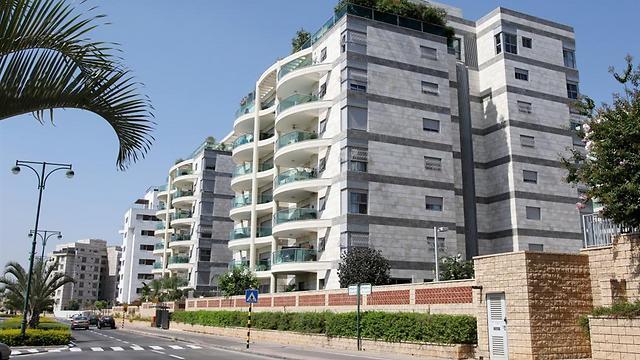נס ציונה. דירת 4 חדרים ב-1.65 מיליון שקלים (צילום: אבי מועלם) (צילום: אבי מועלם)