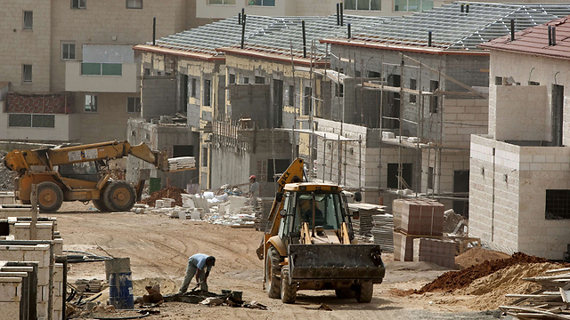 Construction in Ariel in the West Bank (Photo: AFP)
