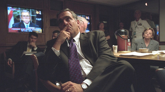 Director of Central Intelligence Tenet watches Bush's address (Photo: US National Archives)