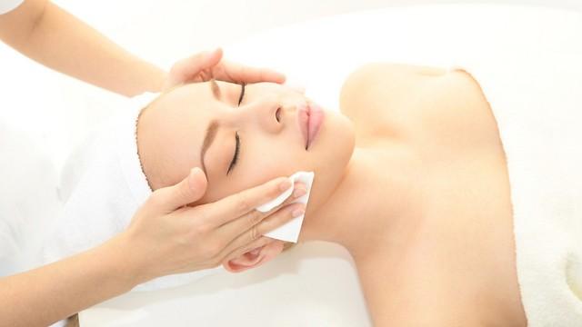 לגרום לעור להיראות צעיר יותר (צילום: shutterstock)
