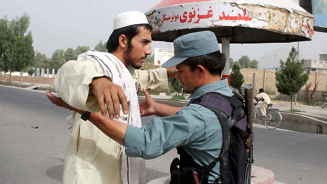 כוחות הביטחון האפגניים מתקשים להשתלט על המצב מאז נסיגת הכוחות הזרים (צילום: EPA) (צילום: EPA)