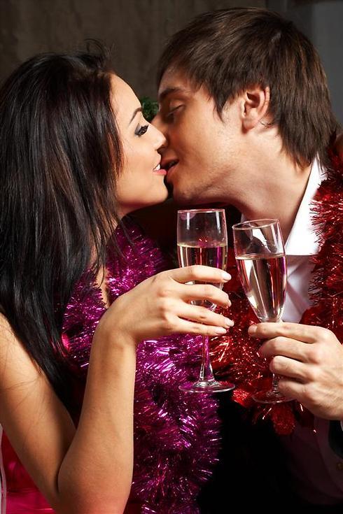 ואולי זוהי תחילתה של אהבה חדשה (צילום: shutterstock) (צילום: shutterstock)