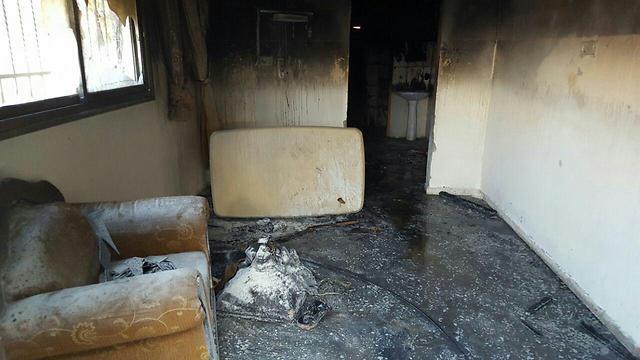"""הבית שהועלה באש (צילום: זכריא סדה, ארגון """"רבנים לזכויות אדם"""")"""