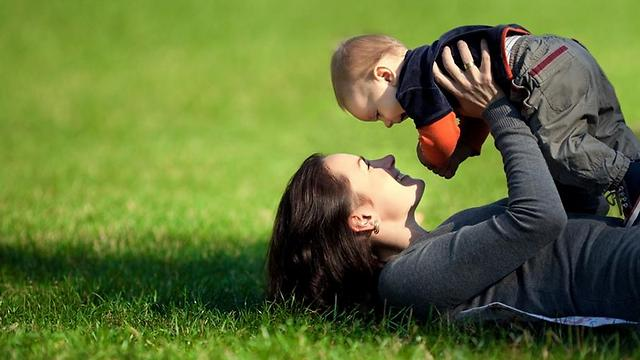 """""""לילדיי יש רק אמא"""" (צילום: shutterstock) (צילום: shutterstock)"""