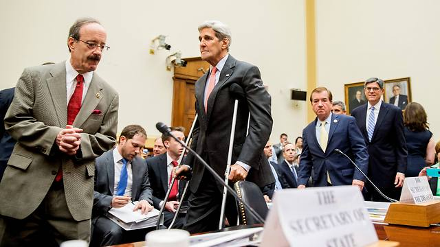 Democratic Senator Eliot Engel (L), who has come out against the Iran nuclear deal, with Secretary of State John Kerry (Photo: AP)