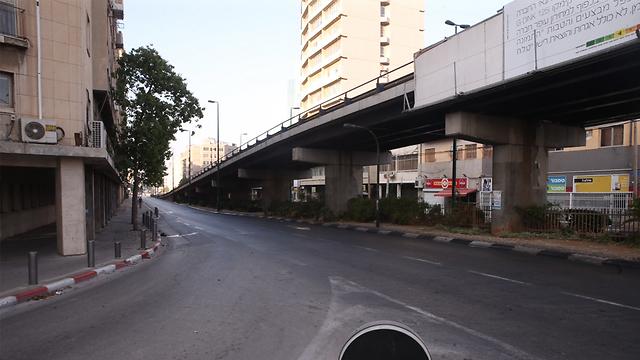 One last look: Maariv Bridge (Photo: Motti Kimchi)