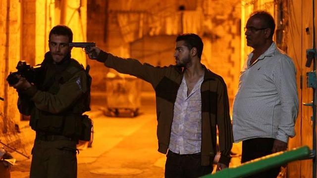 """פארס חנניה ותום גרציאני מהצד הערבי, אורי זלצמן הצה""""לי ב""""ג'רוזלם"""" ()"""