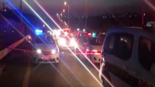 זירת הפיגוע בכביש 443 (צילום: דוברות חטיבת המשטרה) (צילום: דוברות חטיבת המשטרה)
