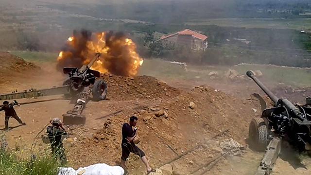 Ongoing battles in Al-Zabadani. (Photo: EPA)