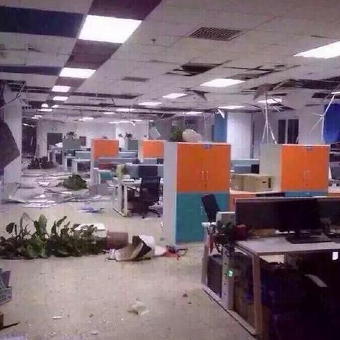 הרס כתוצאה מההדף בבניינים באזור הפיצוץ ()