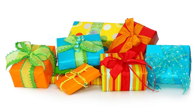 המתנות המוחשיות עושות קאמבק (צילום: shutterstock)