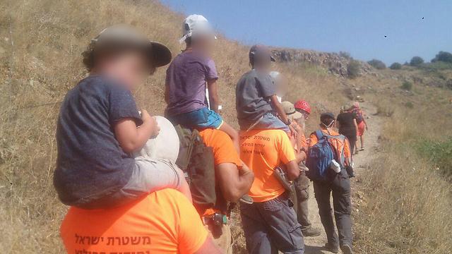 חילוץ משפחה ברמת הגולן ( צילום: יחידת חילוץ גולן)