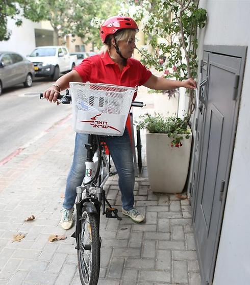 אופניים חשמליים לדוורים ()