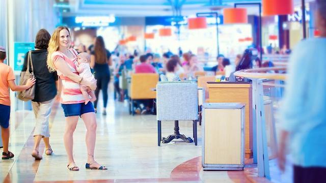 """מורן מישל: """"בכל מקום מנסים להכתיב לנשים מה לעשות עם גופן""""  (צילום: קרן דניאלי-קסנר) (צילום: קרן דניאלי-קסנר)"""