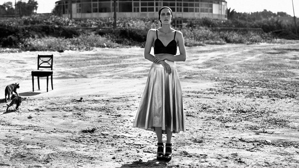 הים של יאנה: הפקת אופנה שסוחפת לעולם של ניגודים