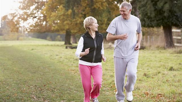 צאו החוצה להתאמן. בכל גיל (צילום: shutterstock) (צילום: shutterstock)