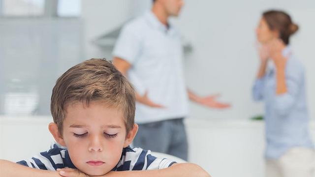 שימו לב מה הילדים שומעים בבית (צילום: shutterstock) (צילום: shutterstock)