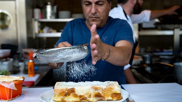 השף חיים כהן במסעדת יפו תל אביב (צילום: ירון ברנר) (צילום: ירון ברנר)