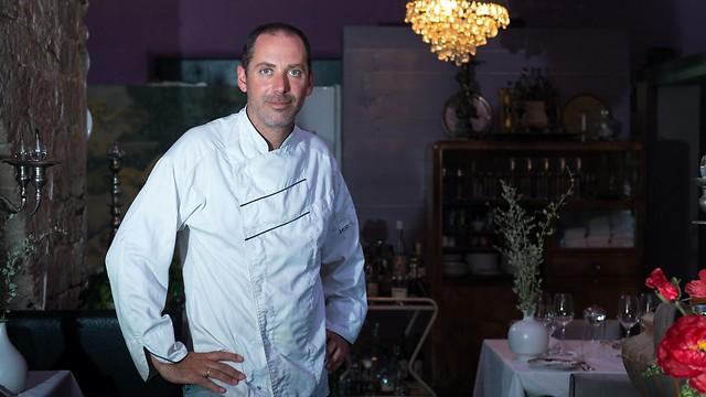 """ניר צוק במטבח של מסעדת """"קורדליה"""" שנסגרה (צילום: ירון ברנר) (צילום: ירון ברנר)"""