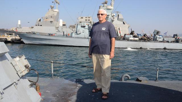 הלוחם הוותיק בביקור בבסיס חיל הים בחיפה (צילום: מוחמד שינאווי)