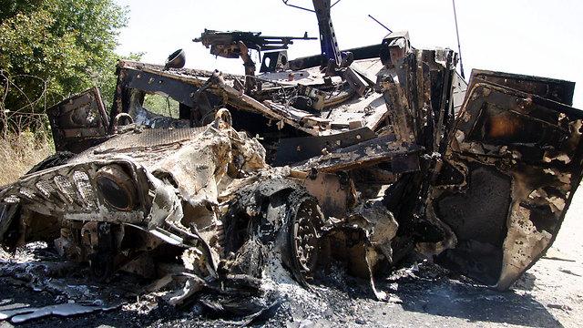 Ehud Goldwasser and Eldad Regev's Humvee after the blast (Photo: Gil Nechushtan)