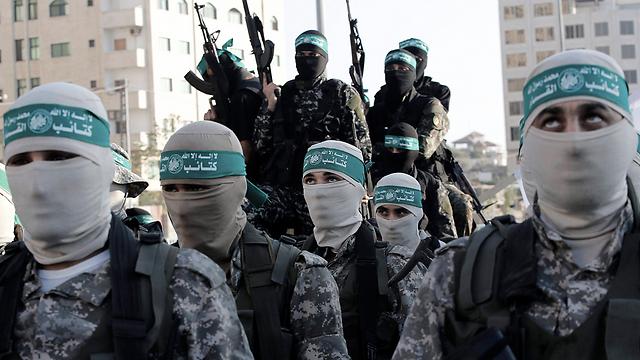 שליטי הרצועה. אנשי עז א-דין אל קסאם של חמאס בעזה (צילום: EPA)