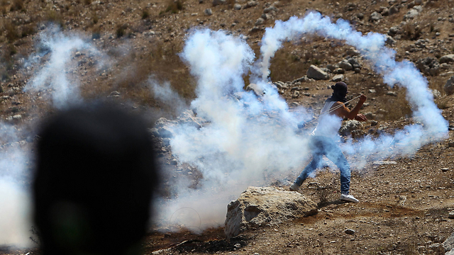 Protest in Nebi Salah. It all began with a 'price tag' activity (Photo: AFP)