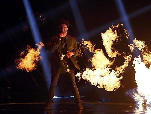 דה וויקאנד. שרף את הבמה (צילום: רויטרס) (צילום: רויטרס)