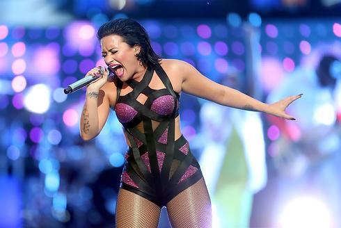 הופעה ראשונה ב-VMA. דמי לובאטו (צילום: gettyimages) (צילום: gettyimages)