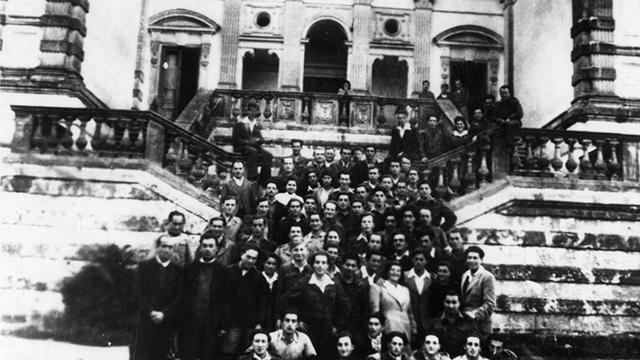 יהודים במחנה עקורים בדרום איטליה (צילום: מהאלבומים האישיים של ילדי לאוקה ) (צילום: מהאלבומים האישיים של ילדי לאוקה )