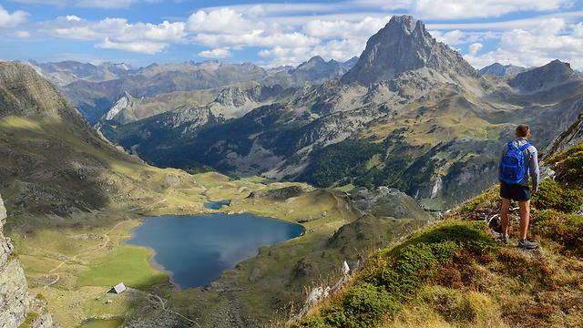 איבדו את דרכם על רכס הרי הפירנאים (אילוסטרציה) (צילום: shutterstock) (צילום: shutterstock)