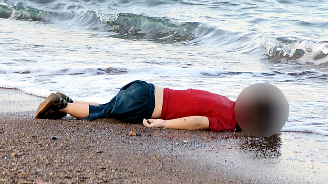 The world was shocked by images of 3-year-old Alan Kurdi, washed up on a beach in southern Turkey (Photo: EPA)