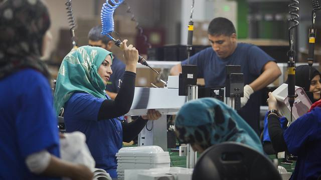 The new SodaStream Factory in the Negev (Photo: AP)