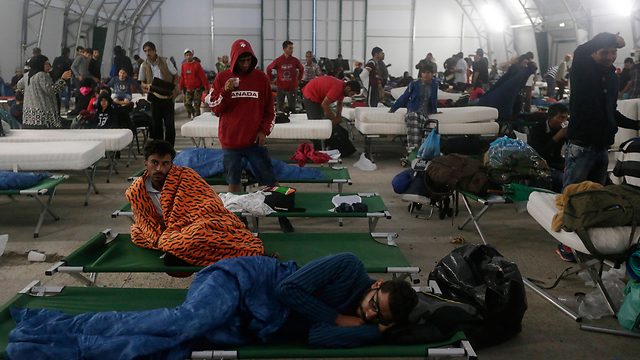 Refugee camp in Austria; most will continue to Germany (Photo: AP)