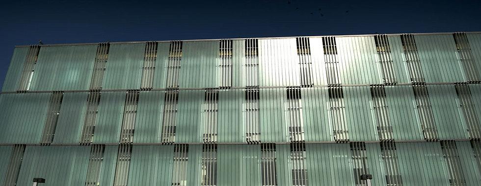 ובניין המעבדות הננו-טכנולוגיות באוניברסיטת בן גוריון בבאר שבע (צילום: אבי פז)