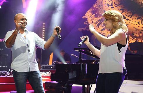 רוקדים את המקום הראשון. שרית חדד ואייל גולן (צילום: אבי מועלם) (צילום: אבי מועלם)