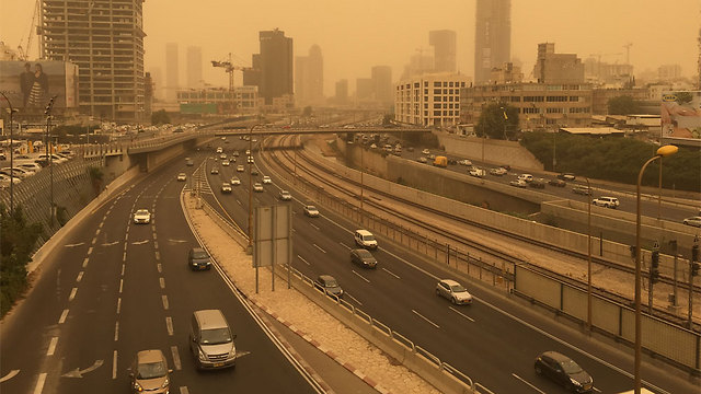 Tel Aviv's Ayalon freeway (Photo: Nadav)