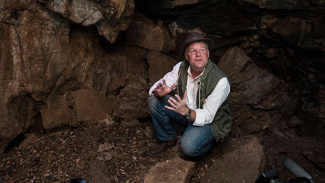 פרופ' לי ברגר, במערה הדרום-אפריקנית (צילום: MCT)