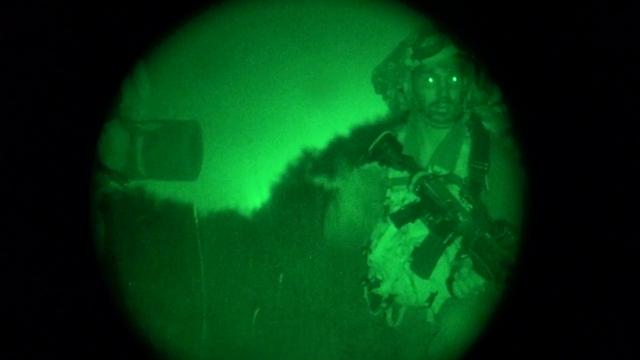 """אנשי האיסוף הקרבי בפעולה  (צילום: דובר צה""""ל) (צילום: דובר צה"""