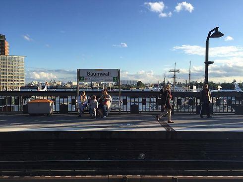 נוף של מים מכל מקום, גם מהרכבת (צילום: חן לחמני) (צילום: חן לחמני)