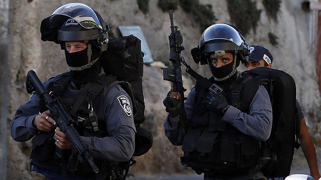 Border police troops in East Jerusalem (Photo: AFP)