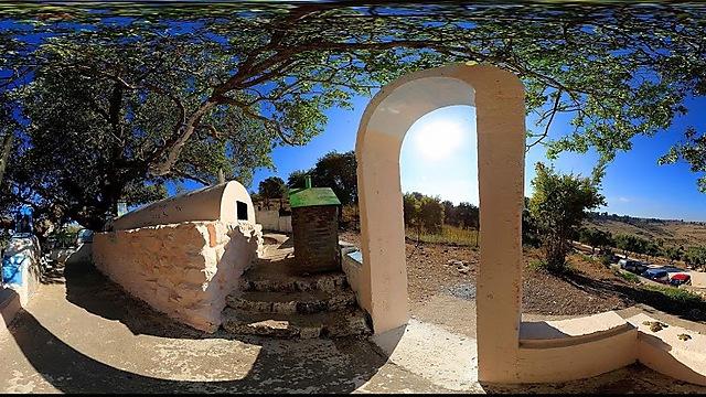 קבר רבי טרפון (צילום: משה אפנזר) (צילום: משה אפנזר)