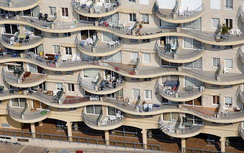 סוכה במרפסת או לא - היא מקפיצה את ערך הדירה (צילום: Lowshot.com) (צילום: Lowshot.com)