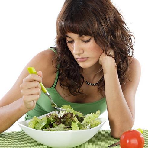 אוכל במקום רגשות. הפרעות אכילה (צילום: shutterstock) (צילום: shutterstock)