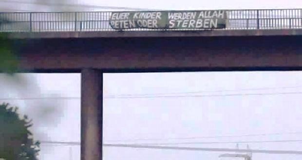 ילדיכם יתפללו לאללה או ימותו. גשר בגרמניה ()