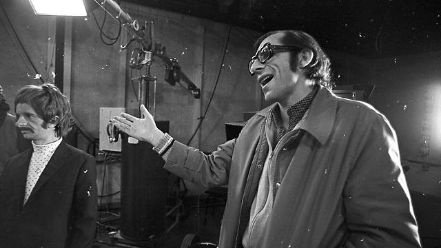 """מוטי קירשנבאום ודובי גל על הסט של """"ניקוי ראש"""" (צילום: דוד רובינגר) (צילום: דוד רובינגר)"""