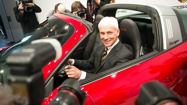 """מתיאס מולר, מנכ""""ל פולקסווגן החדש - עדיין מחייך, בגלל פורשה (צילום: MCT) (צילום: MCT)"""